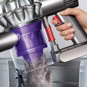 dyson Vacuum Gettting Emptied