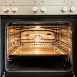 How to clean your oven with steam
