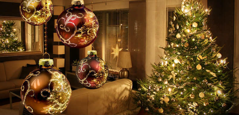Christmas Tree And Decoration Balls
