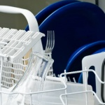 4 Steps To Cleaning Your Dishwasher
