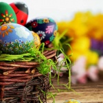 An Egg-cellent Treat for John Taylor Hospice