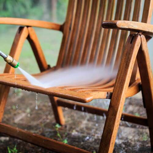 Washing A Garden Chair With A Pressure Washer