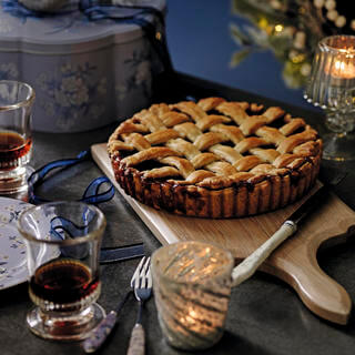 Giant Lattice Topped Mince Pie