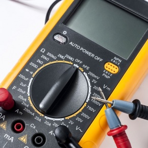 Digital Multimeter With Probes