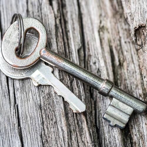 Two Keys On Keyring