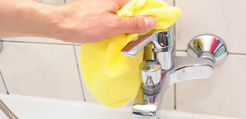 Cleaning Tap With Cloth