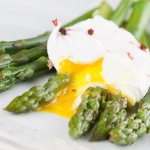 3 Methods For Perfectly Poached Eggs From Top Chefs