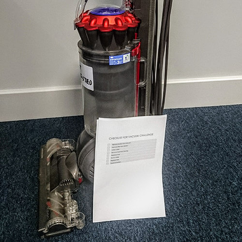 Vacuum Cleaner With Checklist