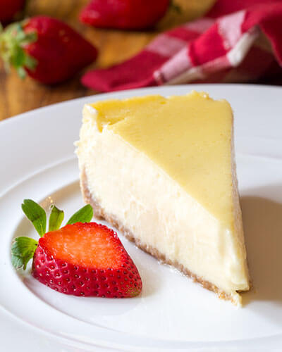 Slow Cooker Cheesecake With Strawberries
