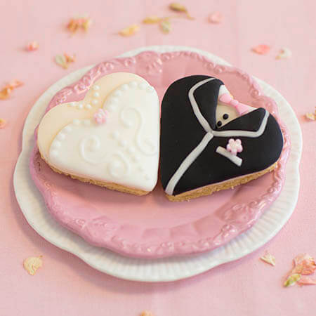 Heart Shaped Bride And Groom Biscuits