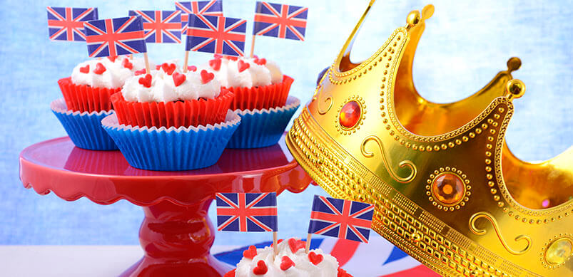 Party Cupcakes With UK Flags And Crown