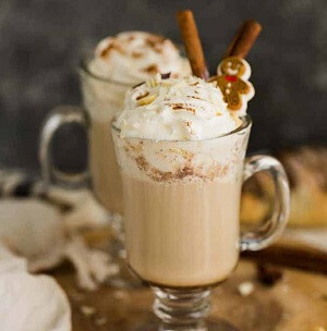 Gingerbread Latte With Biscuits